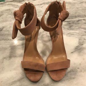Nude heels in neutral suede